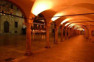Ascoli Piceno, il loggiato in Piazza del Popolo