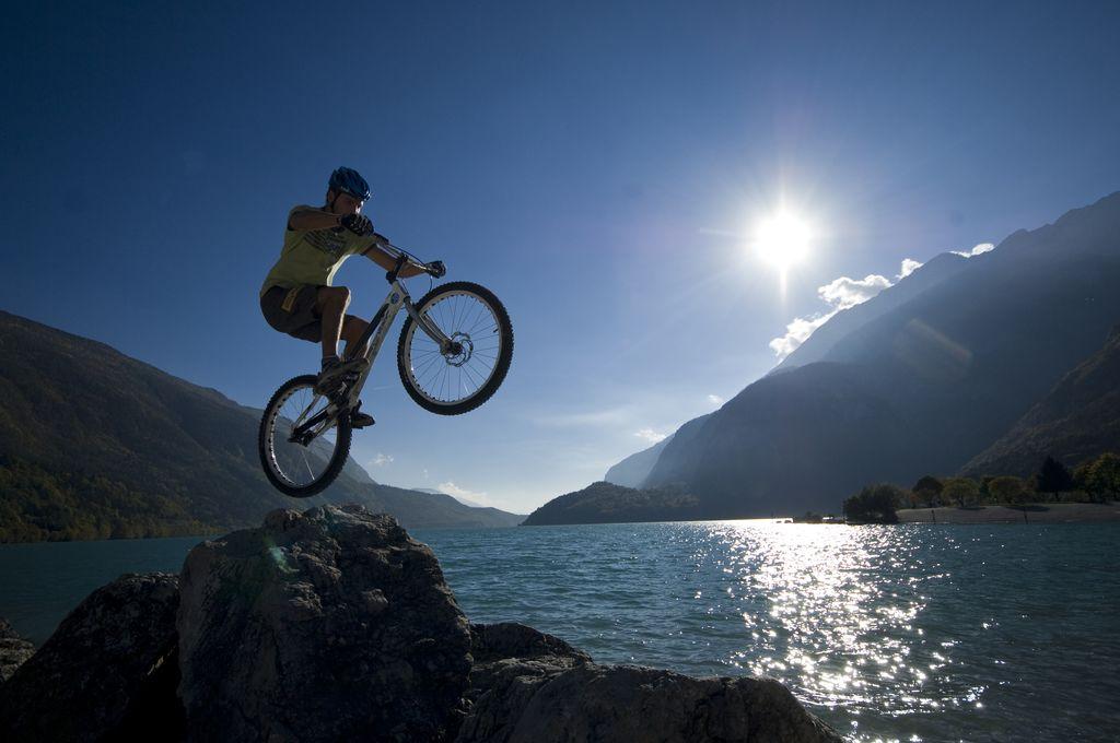 Adamello Brenta, scoprirlo in bici