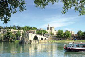 Il ponte di Avignone e il Palazzo dei Papi di Avignone