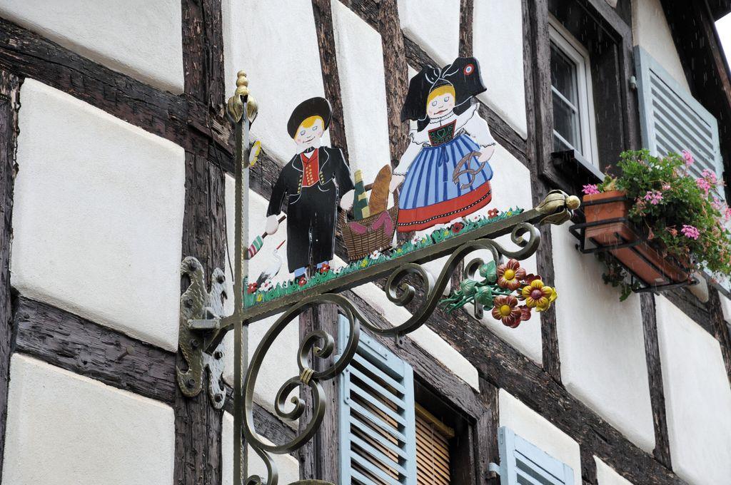 Eguisheim, dettagli passeggiando per il centro
