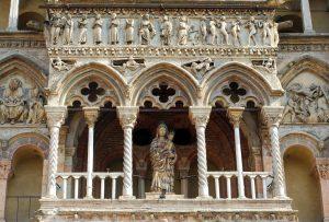 Particolare della facciata della cattedrale