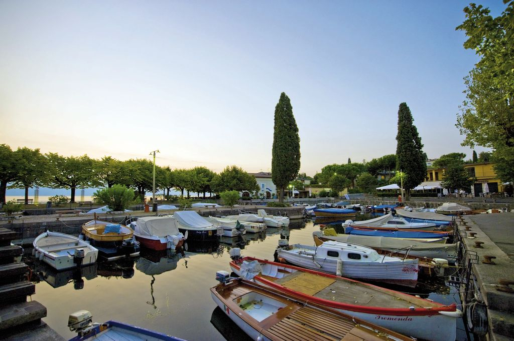San Felice del Benaco, barche ormeggiate