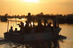 La palude di Comacchio al tramonto