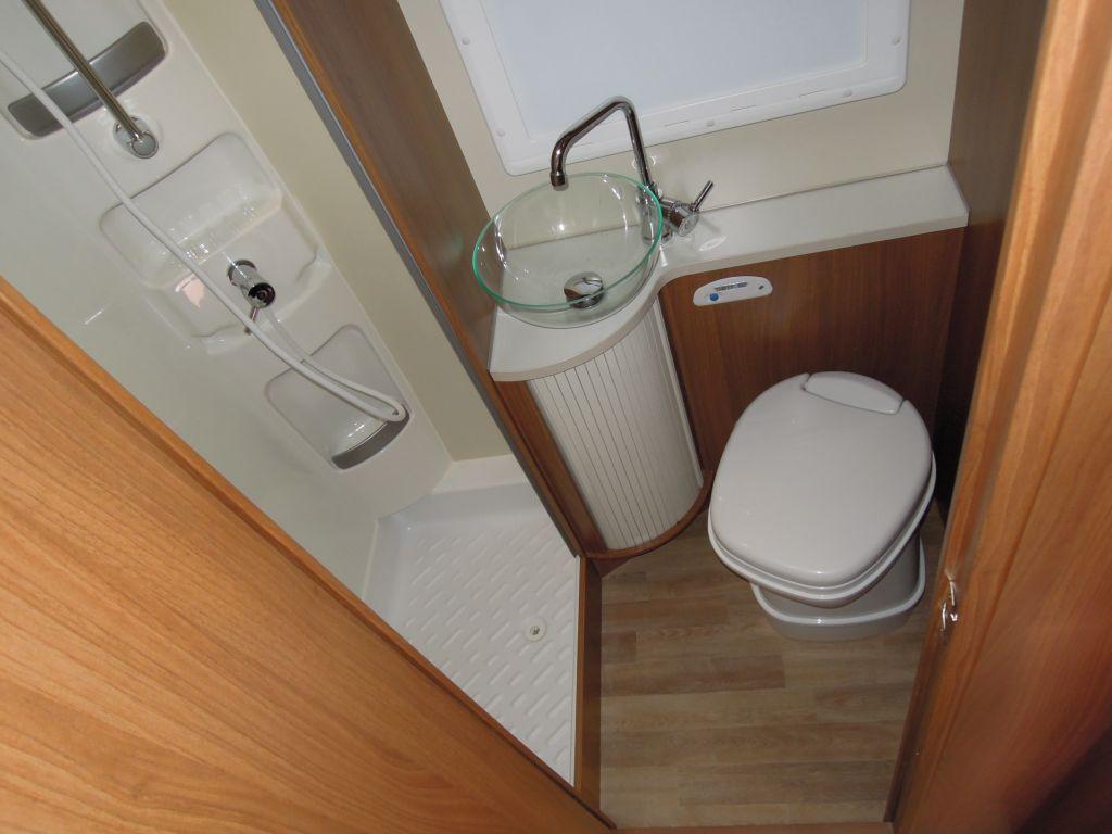 Europeo 98 Plus, il bagno