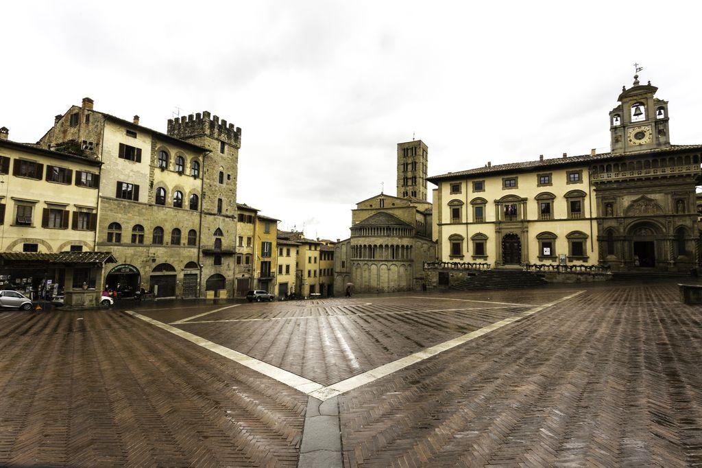mete Arezzo