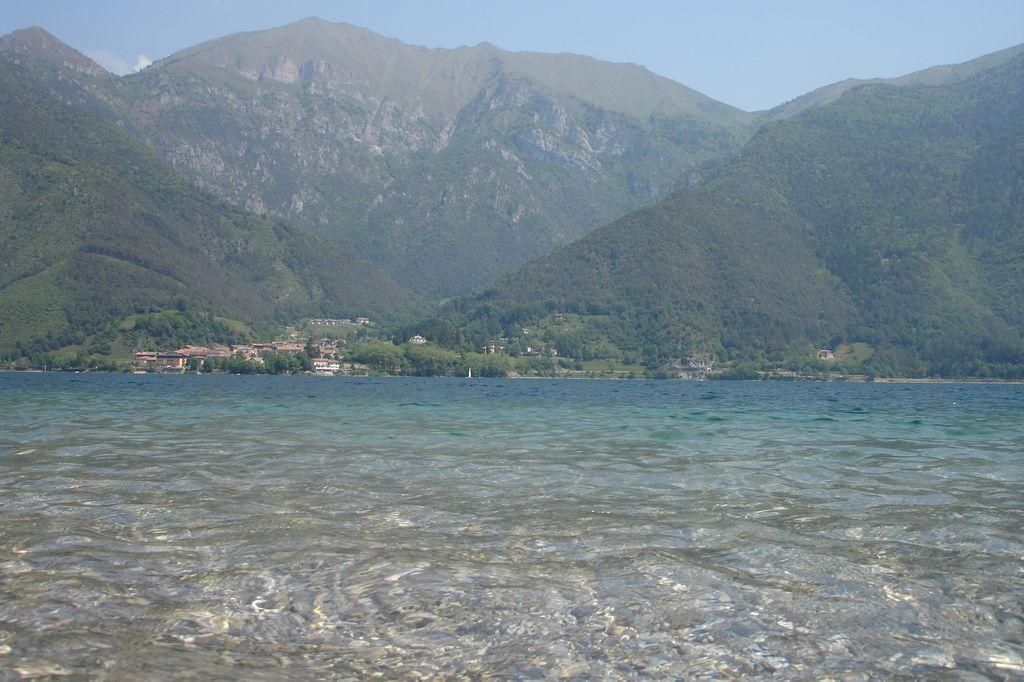 acqua cristallina lago di Ledro