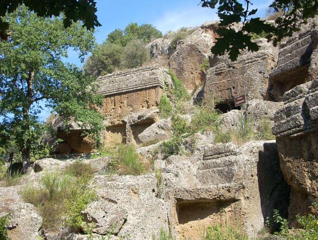 Norchia, complesso di tombe