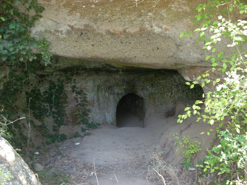 Norchia, tomba etrusca