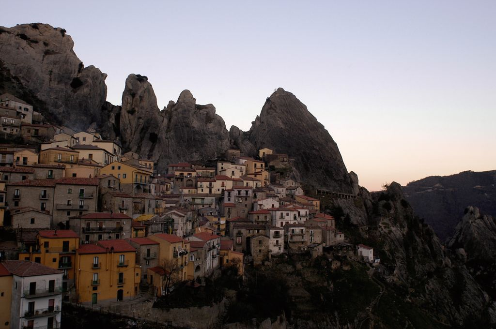 Castelmezzano, il borgo al crepuscolo