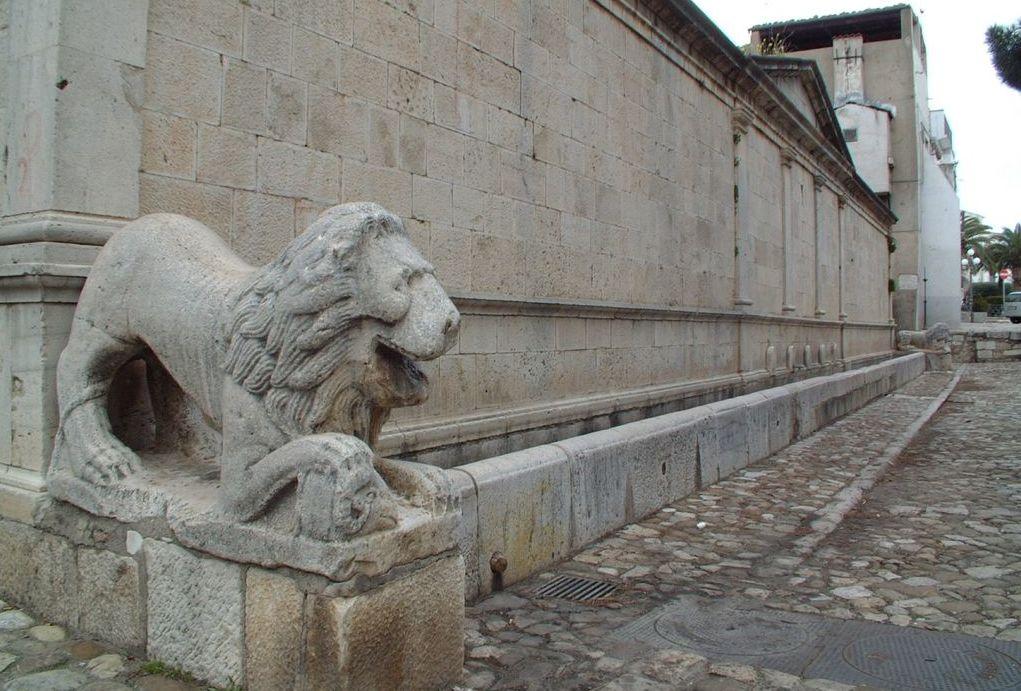 Venosa, Fontana Angioina