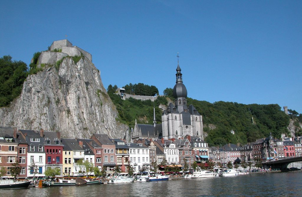 Dinant, lungo il fiume Meuse