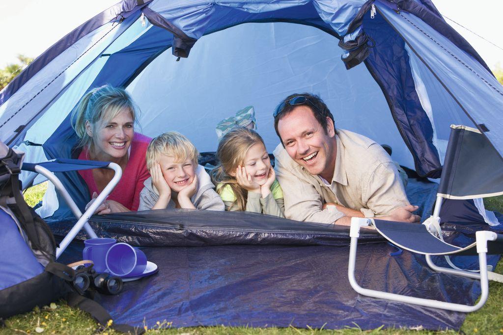 In famiglia la vacanza in tenda regala momenti indimenticabili