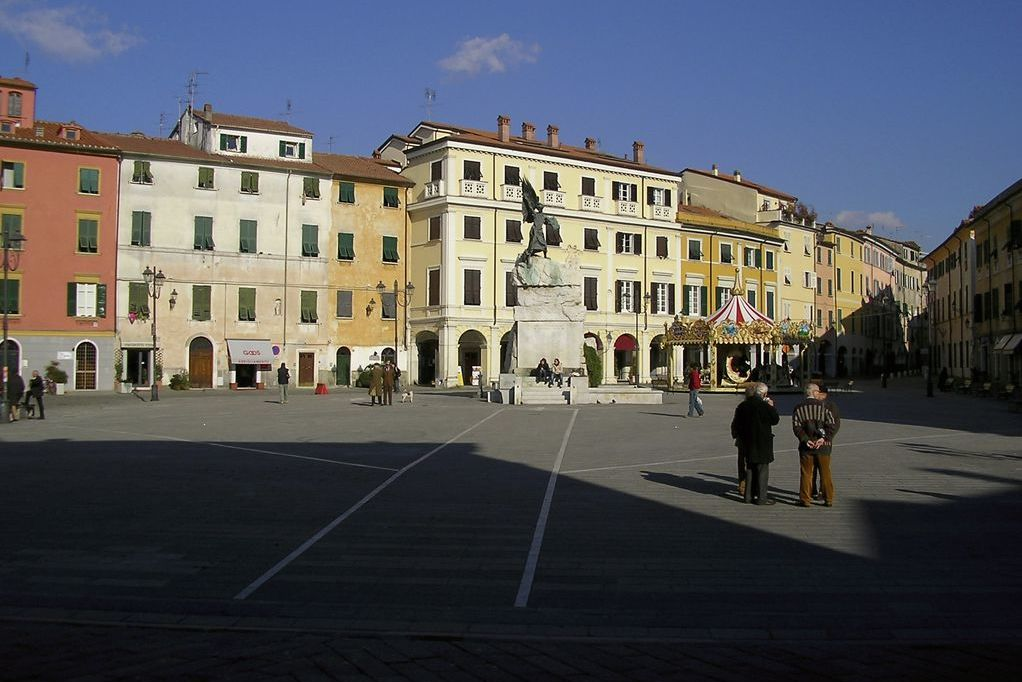 Sarzana, Piazza Giacomo Matteotti