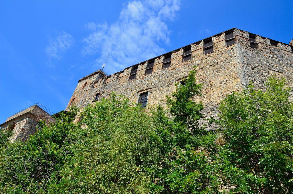 Zavattarello, Il Castello