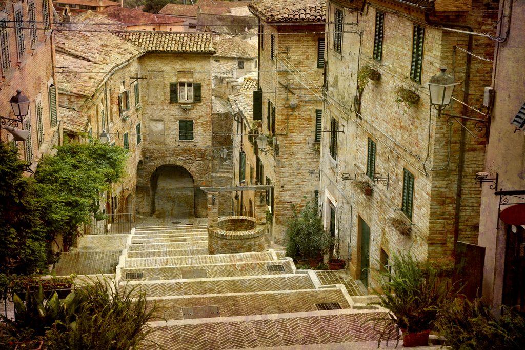 Cornialdo, caratteristico borgo