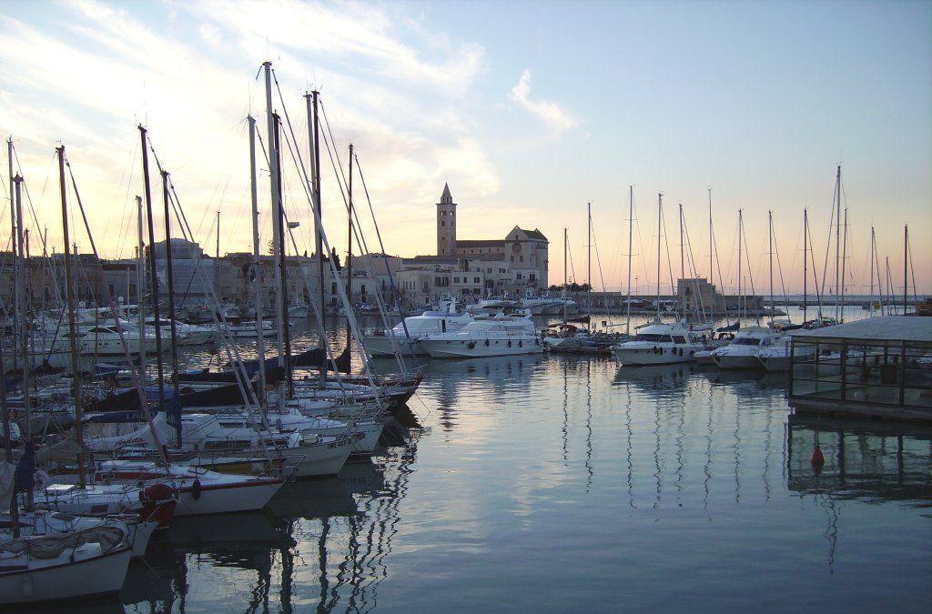 Trani, il porto
