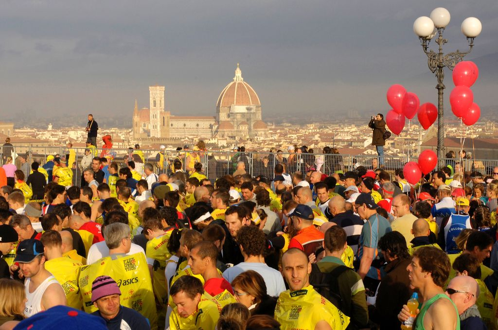 Firenze, Pia.le Michelangelo, sullo sfondo la Cattedrale di S. Maria del Fiore