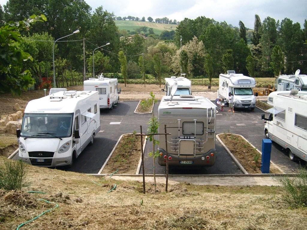 Area sosta camper pievebovigliana macerata vita in camper - Sosta camper bagno di romagna ...