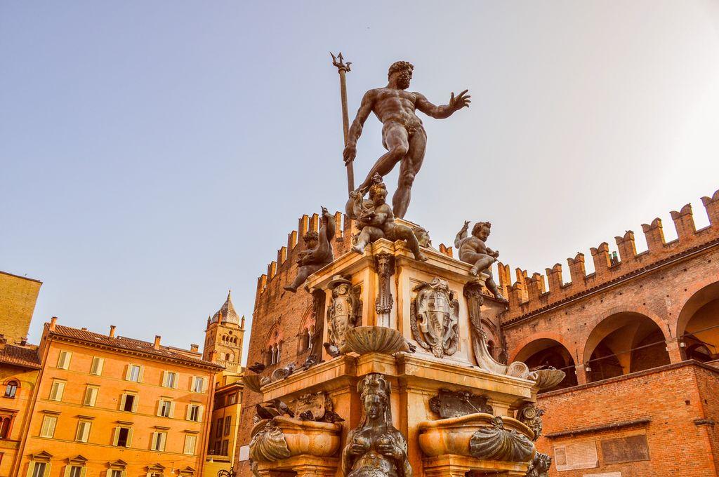 Bologna, Piazza Nettuno