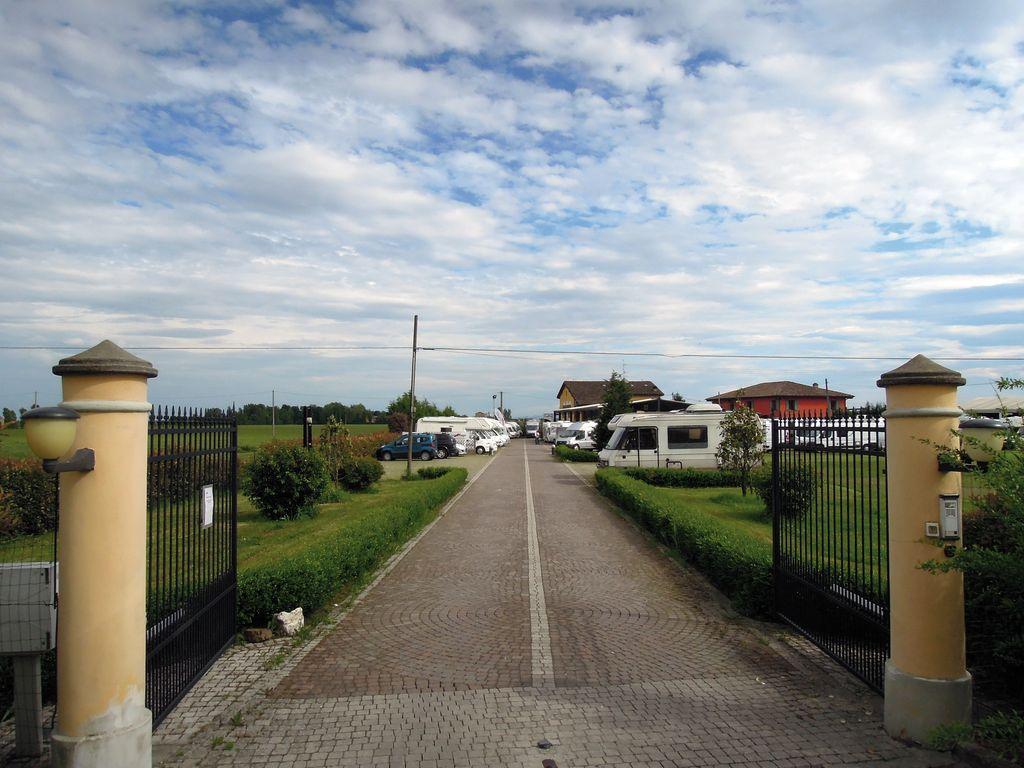 Caravan Center Modena