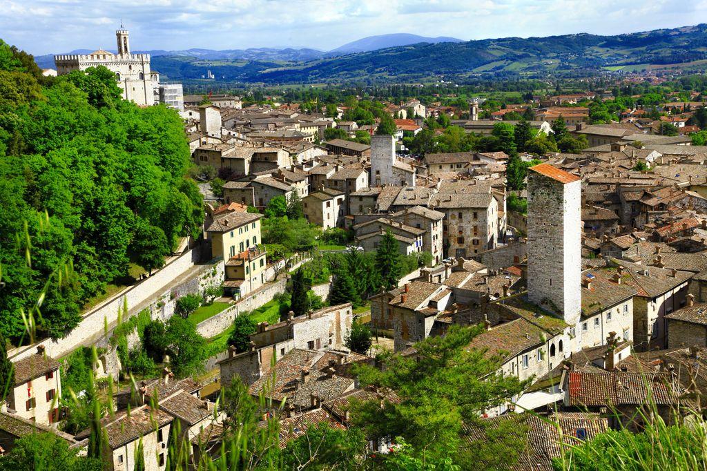 Gubbio, panoramica sul borgo medievale