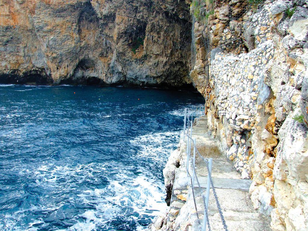 L'ingresso alla grotta di Zinzulosa