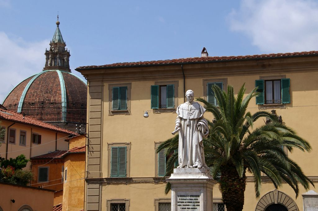 Pistoia, statua Niccolo Forteguerri