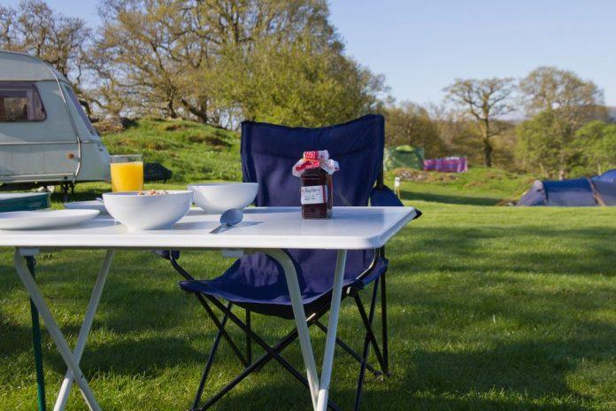 Tavoli e sedie da campeggio