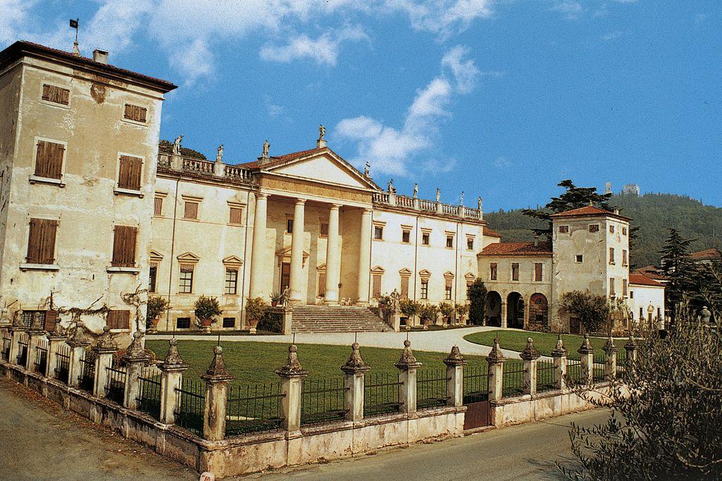 Illasi, Villa Perez Pompei Sagramoso