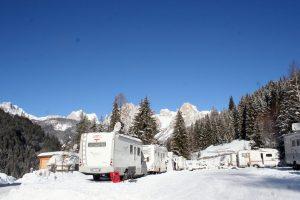 camper inverno neve