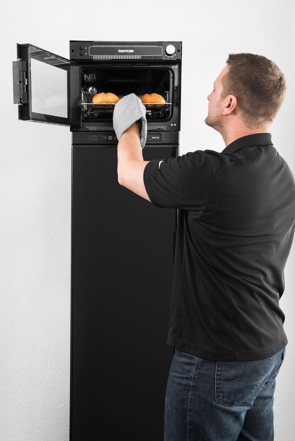 Thetford 420 le funzionalità del forno