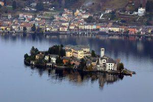 Orta San Giulio: meraviglia tra lago e montagna