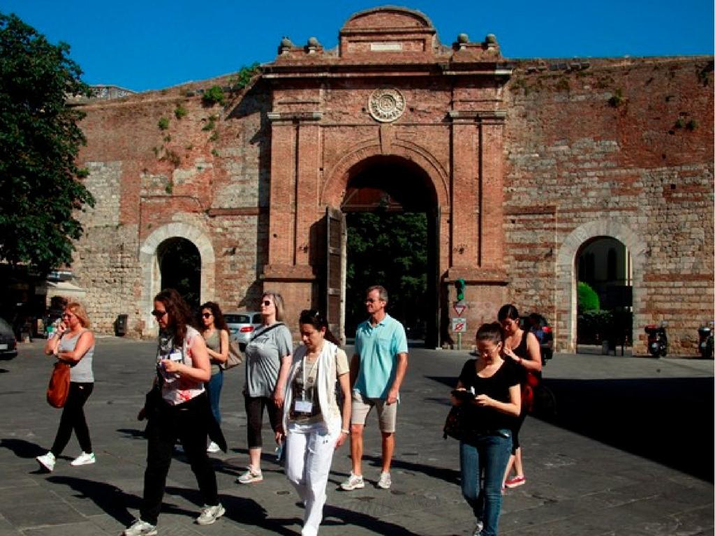 SienaFrancigena, Porta Camollia