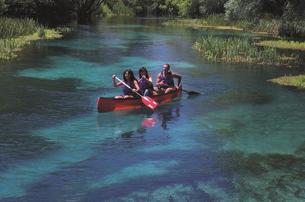 Canoa sul fiume Tirino