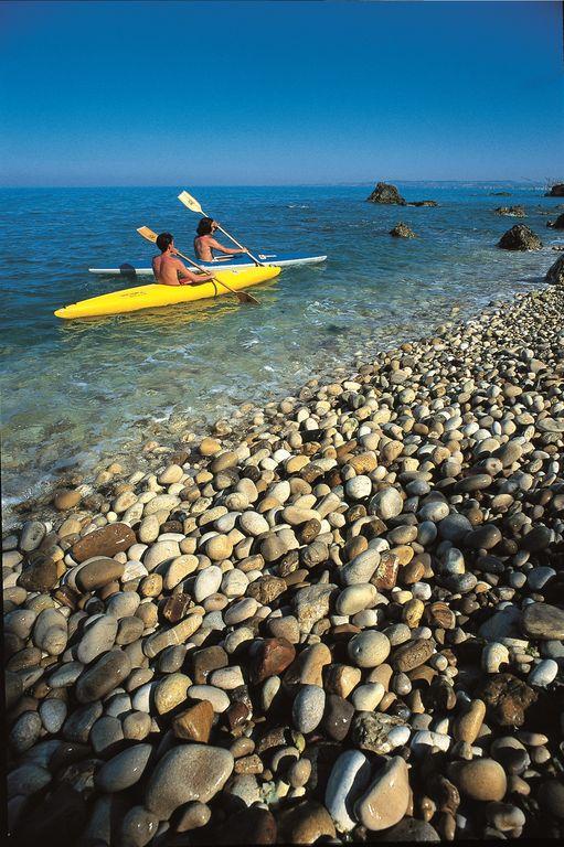 Canoa sulla costa dei Trabocchi