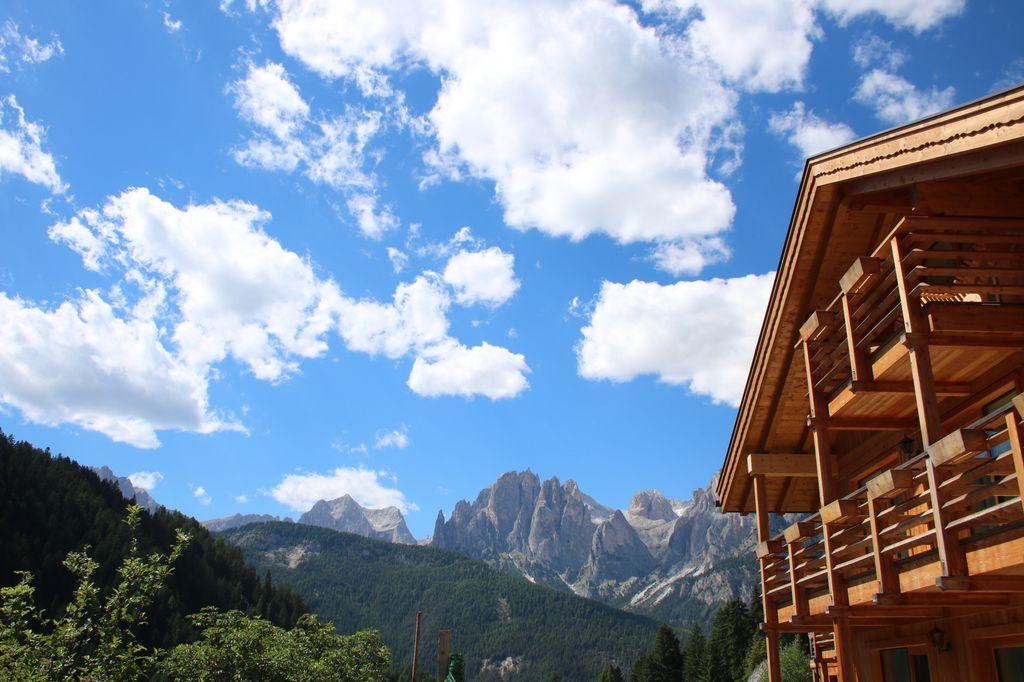 la cornice paesaggistica del Camping Vidor