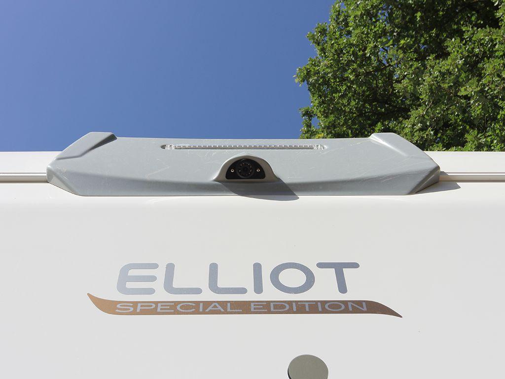 CI Elliot particolare