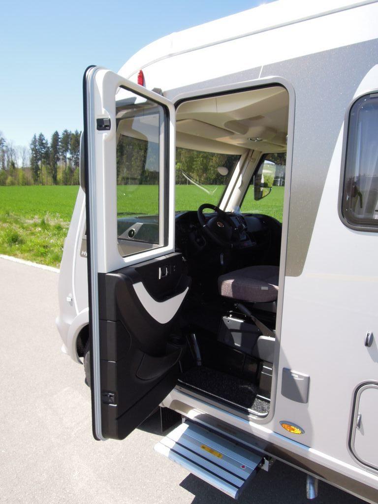 Portiera lato conducente con finestrino elettrico