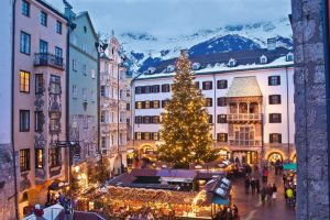 Mercatino di Natale a Innsbruck ai piedi del Tettuccio-d'oro cr. Lackner