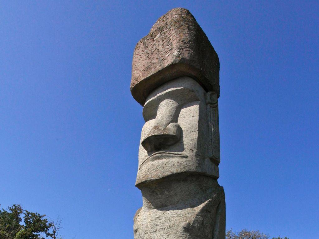 Risultati immagini per moai vitorchiano