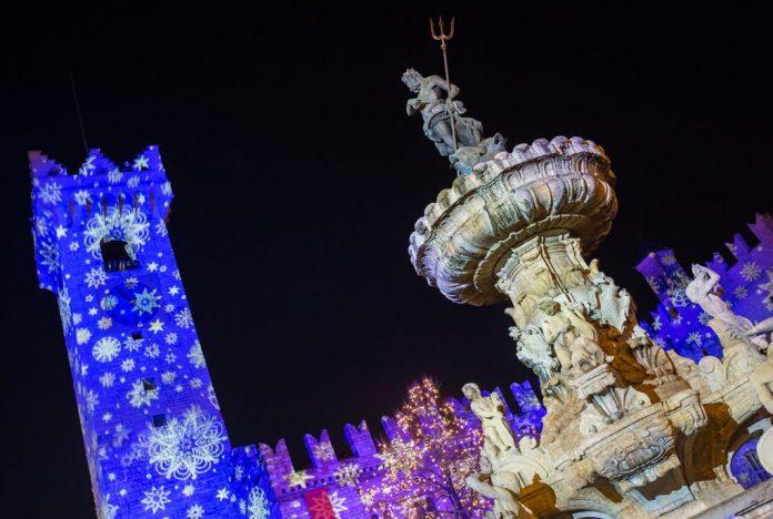 Piazza Duomo illuminata - foto M. Rensi