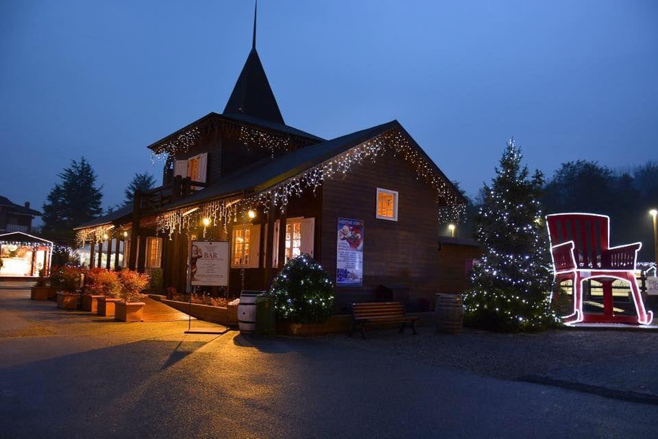 Villaggio di Natale a Monticello d'alba foto villaggiobabbonatale.com