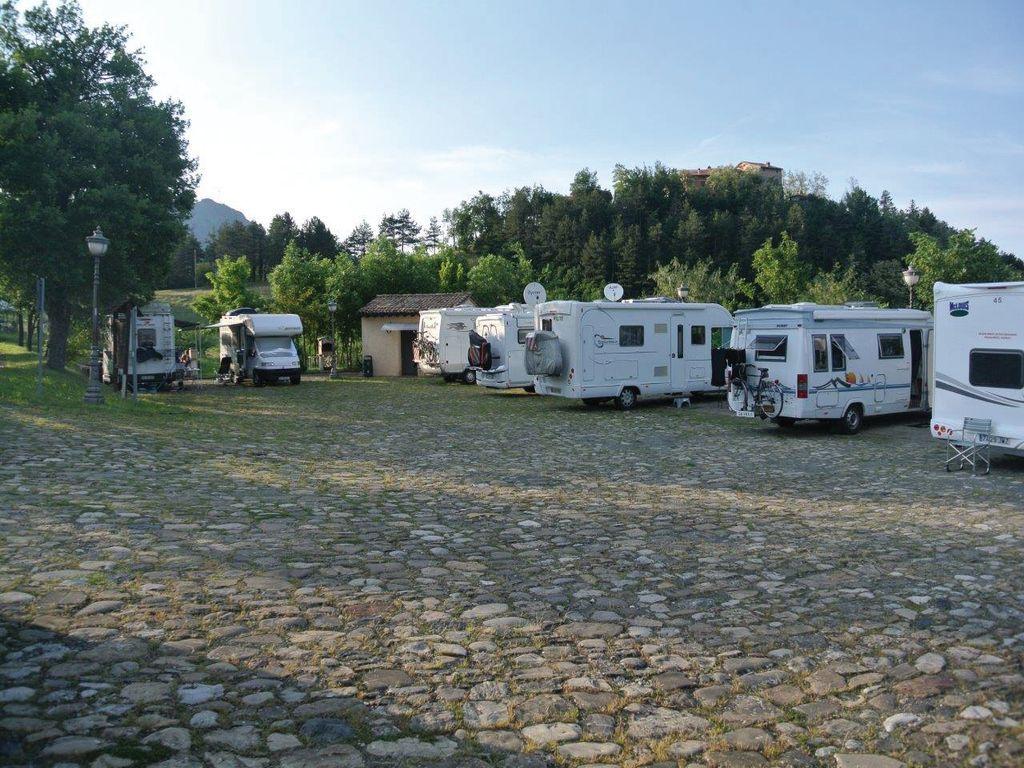 Area sosta bardone vita in camper - Sosta camper bagno di romagna ...