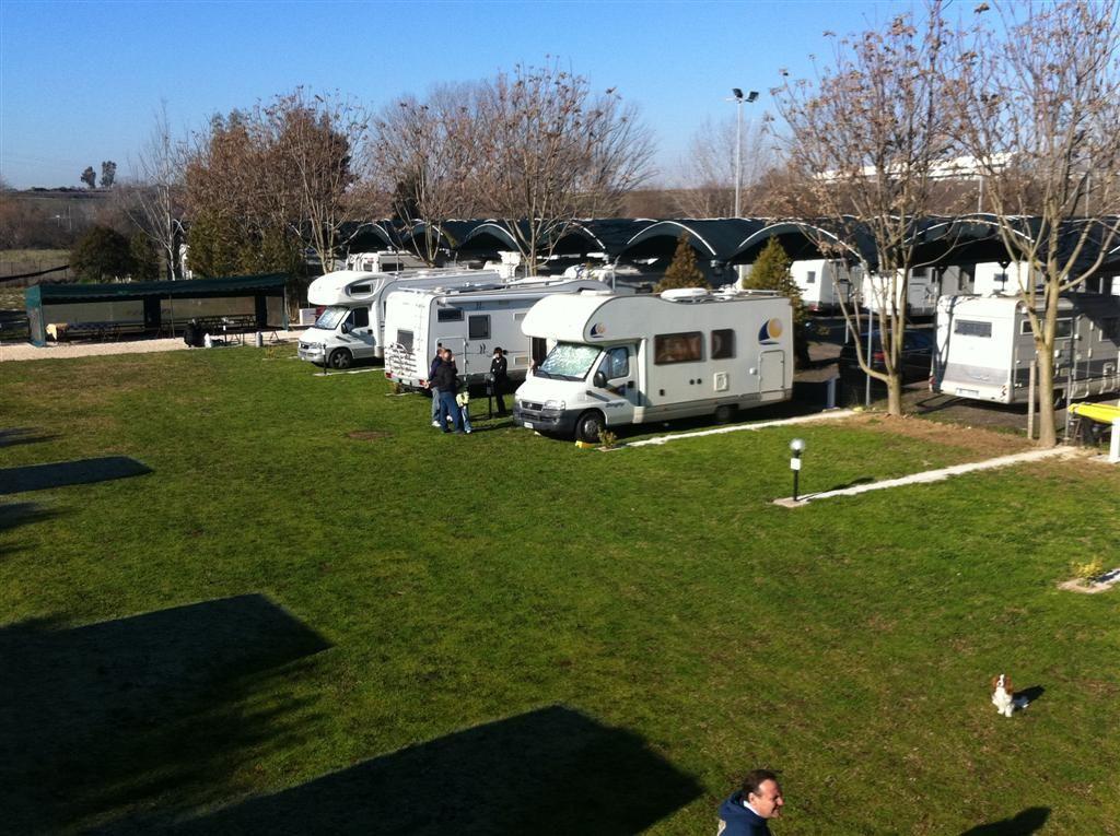 Area sosta Camper Club Mira Lago - Roma panoramica