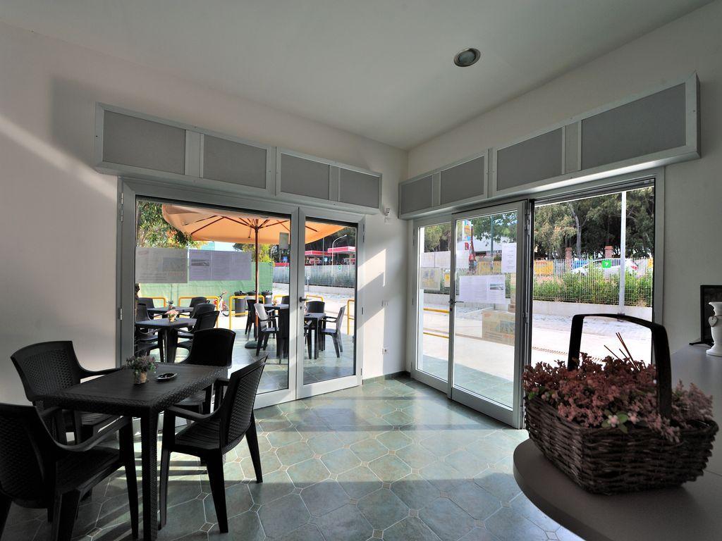 Area sosta Camperstop Lagomare - Battipaglia (SA) bar