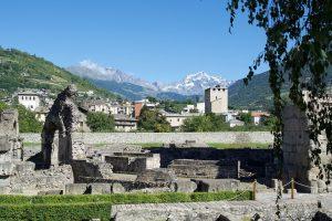 Aosta, itinerario in città fino al Castello di Fénis