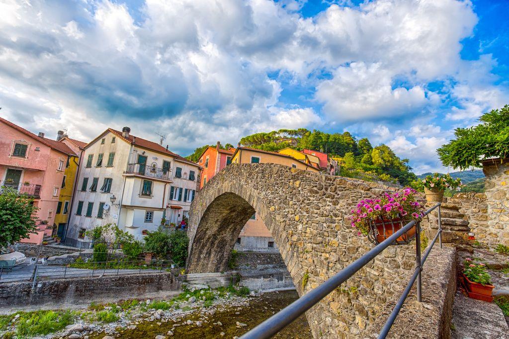 Varese Ligure il ponte romano