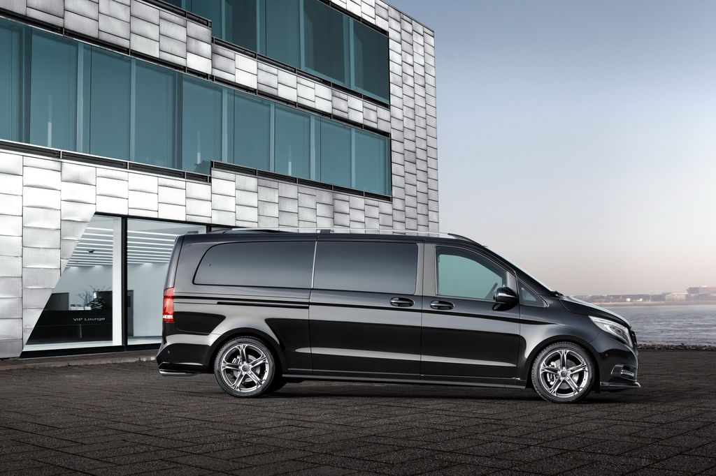 Mercedes-Benz Classe V (W447) accessoriato con Brabus Business Lounge