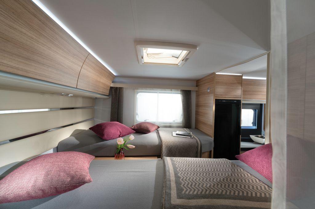 camera da letto e frigo slimtower su axess 600 SL