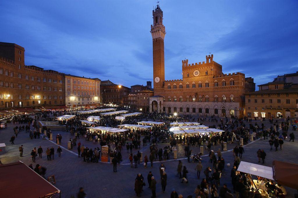 Dicembre a Siena con il Mercato del Campo